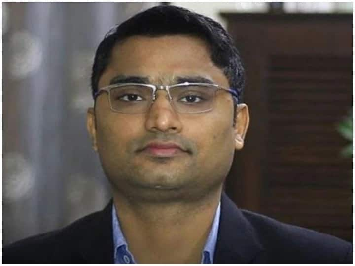 IAS Success Story During The Preparation Of UPSC Shekhar Faced Many Problems But Due The Hard Work He Got Success