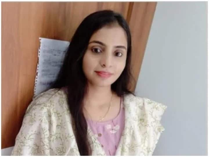 IAS Success Story Failed In UPSC Pre-exam For The First Time Stuck In Mains For Second Time Finally Ayushi Became IAS In Third Attempt