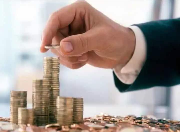 Financial Planning: इन टिप्स से मुश्किल वक्त के लिए जमा कर सकते हैं पैसा