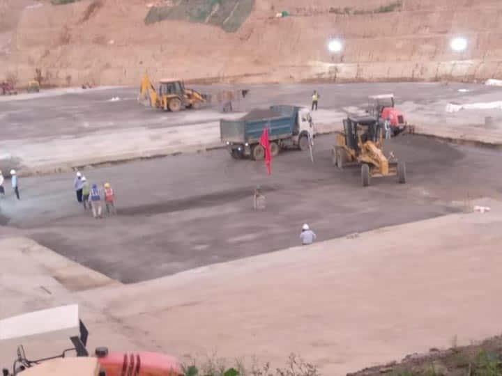 अयोध्या: तेजी से चल रहा है राम मंदिर की नींव भराई का काम,मिर्जापुर से मंगाए लाल पत्थर