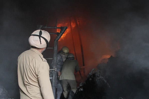 Terrible fire at Ludhianas yarn mill, Punjab News, Fire Fighters Punjab Police