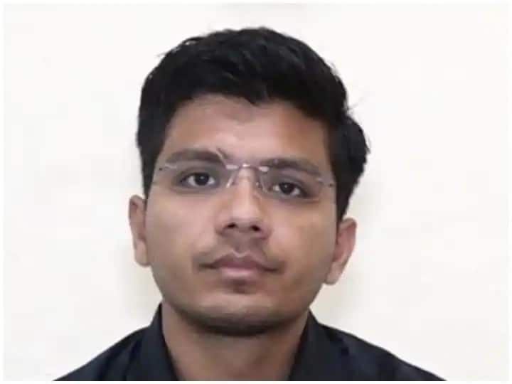IAS Success Story Studied Amidst Financial Crisis Then Shubham Gupta Passed UPSC Exam Know His Journey