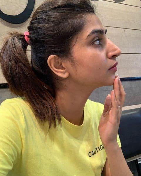 Varshini Sounderajan Photo Gallery: ఏంజెల్లా మెరిసిపోతుందే..!