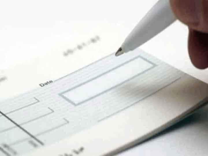 इन तीन बैंकों की चेकबुक 1 अक्टूबर से हो जाएगी बंद, नई के लिए जल्द से जल्द करें अप्लाई