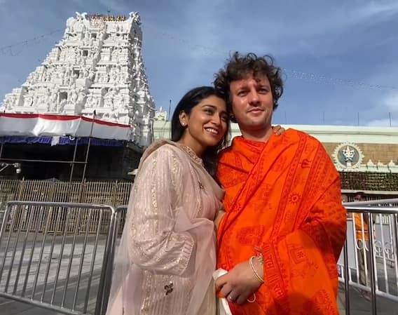 Shriya Saran: శ్రీవారిని దర్శించుకున్న శ్రియ.. ముద్దుపెట్టి ప్రేమను వ్యక్తం చేసిన భర్త