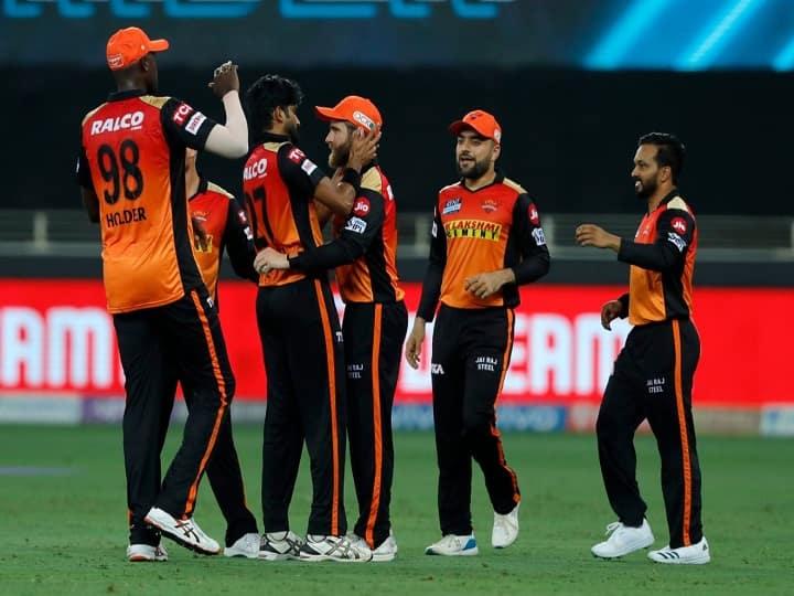 IPL 2021 : सनरायझर्स हैदराबाद प्लेऑफच्या शर्यतीतून बाहेर, इतर संघांची परिस्थिती काय?