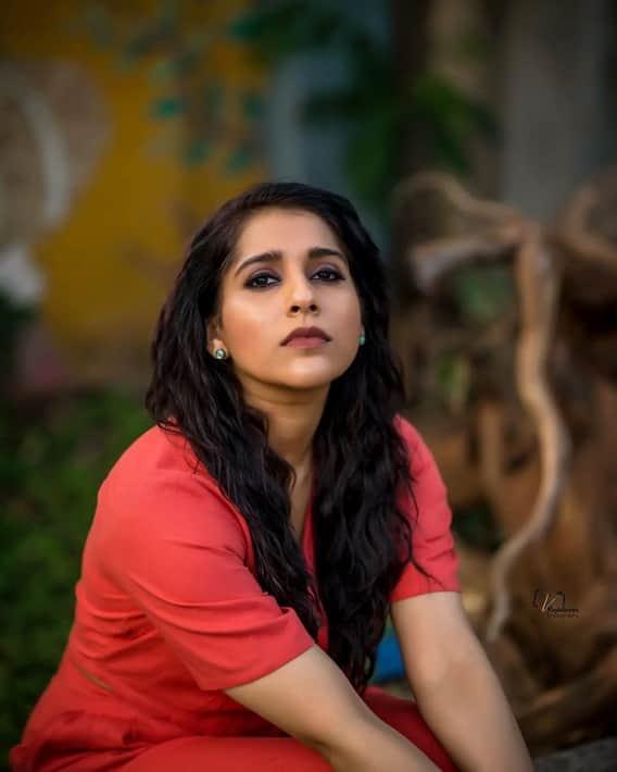 Rashmi Gautam Photos: నాభి అందాలు ఎక్స్పోజ్ చేస్తూ.. హాట్ ఫోజులిచ్చిన రష్మీ..