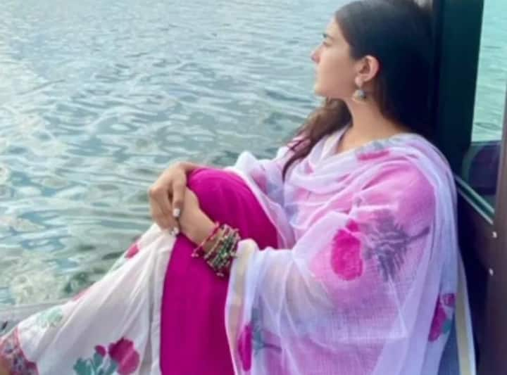 Sara Ali Khan shares pictures from Udaipur, looking fabulous in ethnic suit