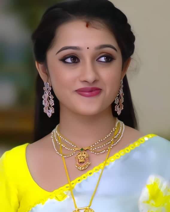Aishwarya: అందం అమ్మాయైతే నీలా ఉంటుందేమో...ఐశ్వర్య